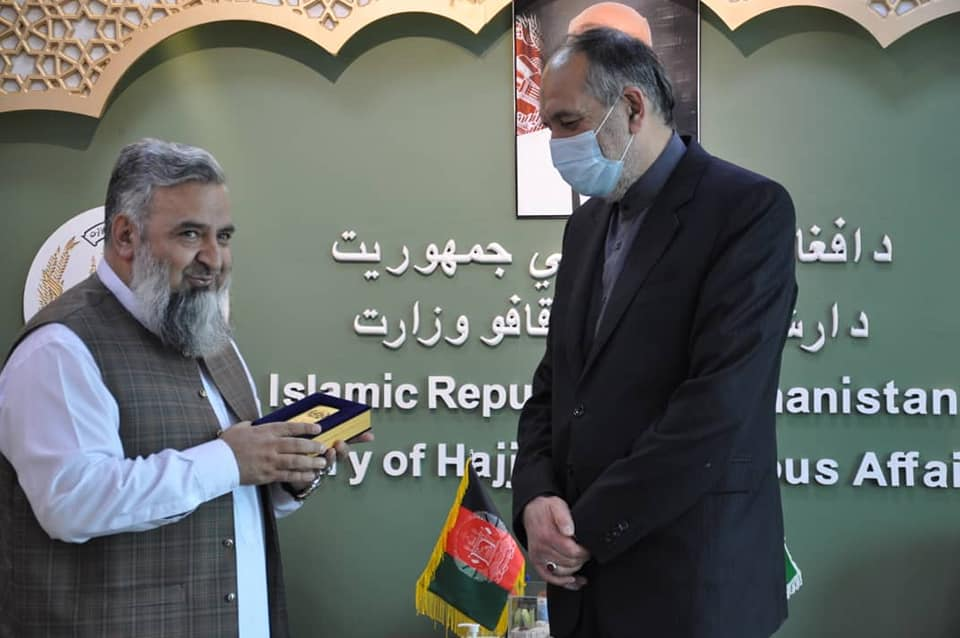 د ارشاد، حج او اوقافو وزیر په کابل کې د ایران د اسلامي جمهوریت له سفیر سره وکتل